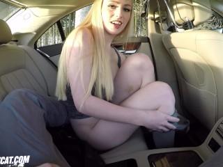 Outdoor Sex im Auto