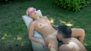 Acht Sex-Abenteuer mit Lena Nitro